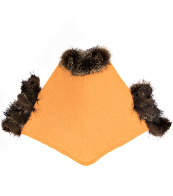 Mantella arancio con inserti in pelliccia. Il lusso accessibile Leopolda cashmere Montalcino