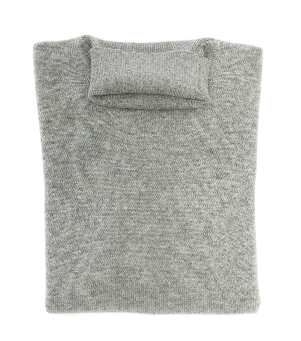 turtleneck cashmere pullover made in Italy collection by Leopolda cashmere
