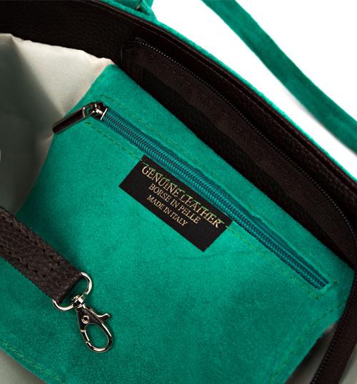 dettaglio interno borsa donna in camoscio